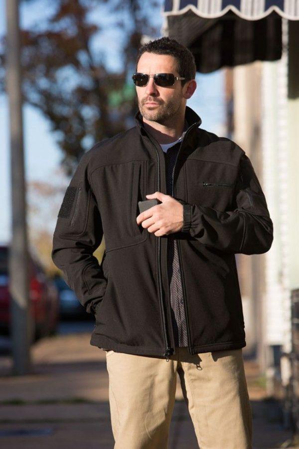 propper-ba-softshell-jacket-in-use-2-f5428
